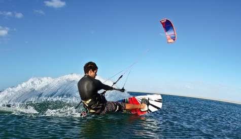 Kiteboard 風箏滑水